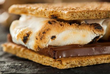 Sidelines Sports Pub, S'more Mondays!