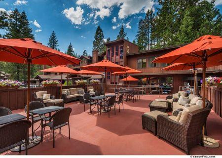 Granlibakken Tahoe, Live Music on The Cedar House Deck