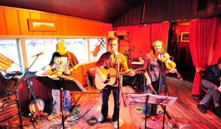 High Notes Summerlong Festival, Live Acoustic Music at Cottonwood