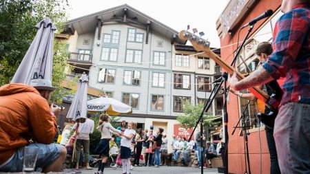 The Village at Squaw Valley, Sunsets Live Music Series