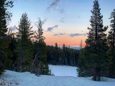 Tahoe Adventure Company, Full Moon Snowshoe Tour