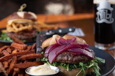 Alibi Ale Works, Elk Burger