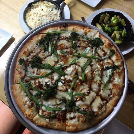 Whitecaps Pizza & Tap House, Broccolini Pizza