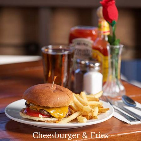 Rosie's Cafe Tahoe City, Hamburger