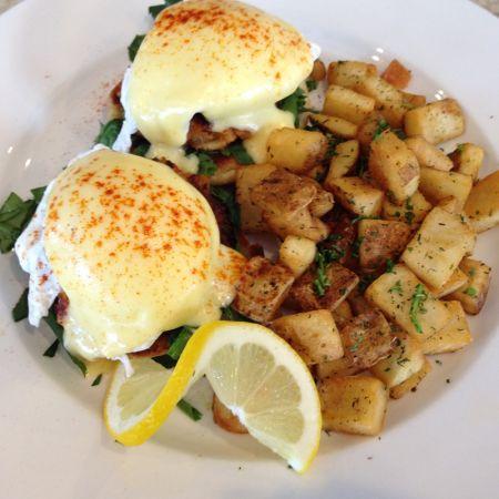 Artemis Lakefront Cafe, Crab Benedict