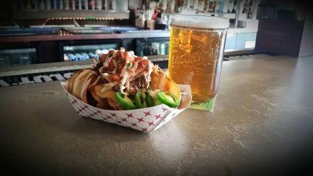 Moe's Original Bar B Que, Redneck Nachos Sunday Special