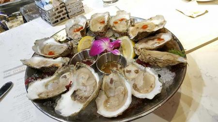 The Oyster Bar, Dozen Seasonal Oysters*