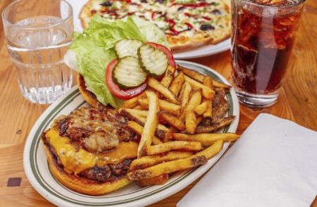Za's Lakefront, House Ground Burger