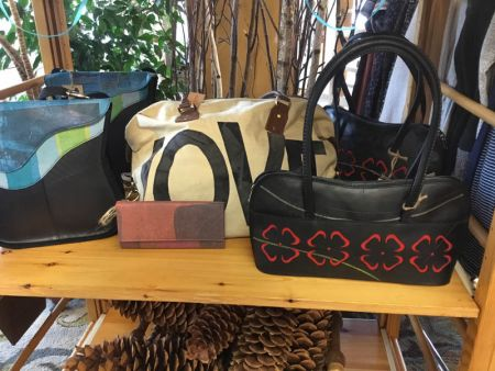 Wanda's Floral and Gifts, Handbags with a Twist
