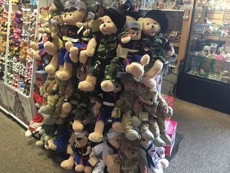 Cabin Fever Shopping Emporium, American Military Hero's
