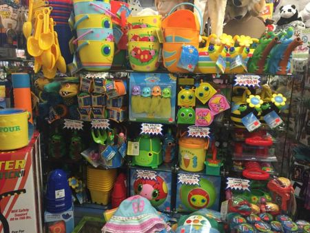 Toy Maniacs, Toys for the Beach