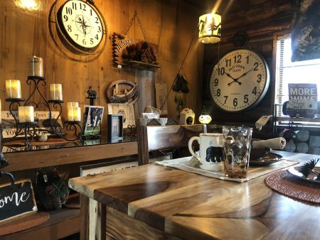 Welcome Home Shoppe, Rustic Cabin Decor