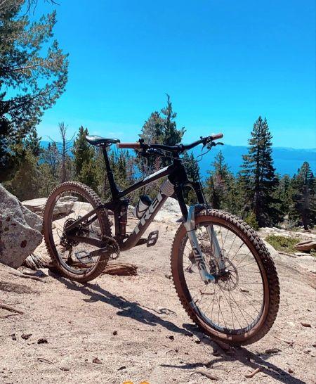 Village Ski Loft & Bike Shop, Rent 3 Days & Get 4th Day Free