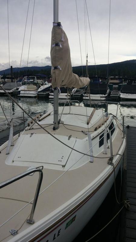Tahoe City Marina, 22' Sailboat Rental