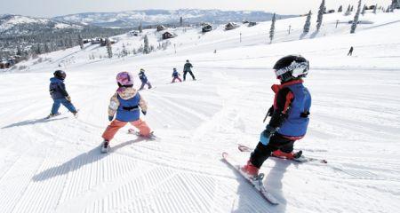 Tahoe Donner Downhill Ski Area, Snowflakes Ski School (ages 3-6)
